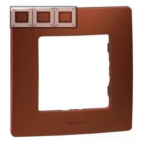 Рамка 3-я, цвет какао, Legrand Etika 672573