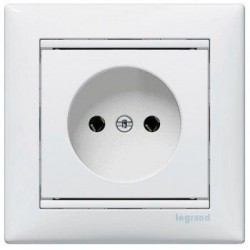Механизм розетки без заземления, 16 А, Valena Legrand белый 774416